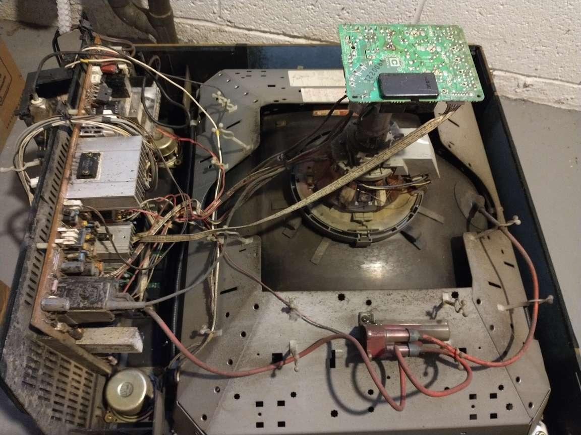 Sony-Trinitron-KV-27TS20-Mystery-Part-1.jpg